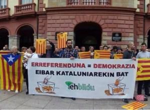 Kataluniako  erreferendumari  babesa  azaldu  diote  eibartar  askok