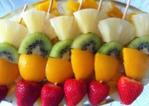Domeketan jolasian: fruta-brotxetak