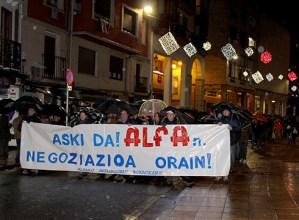 Alfako  langileek  deitutako  manifestazioak  euripean  zeharkatu  ditu  kaleak  negoziazioa  exijitzeko