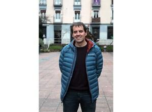 """Mikel Lizarralde: """"Esklerosi anizkoitza duen bakoitzak bere maratoia aurkitu behar du"""""""