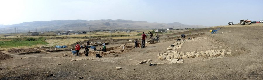 Panorama view of part of Tell Kunara, where the excavating team of the French National Center for Scientific Research is working. Sulaymaniyah City, Iraqi Kurdistan. 3rd Millennium BCE. The mountain on the background houses the ancient Paleolithic caves of Hazar Merd.