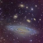 A belíssima galáxia espiral NGC 7331 por Vicent Peris e Gilles Bergond