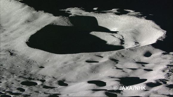 Uma das últimas imagens filmadas pela Kaguya antes do impacto na Lua em 11 de junho de 2009. Crédito: JAXA
