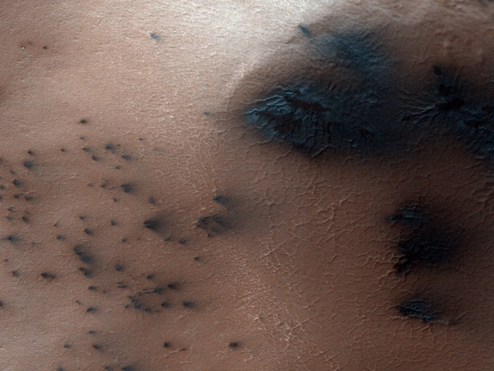 HiRise Defrosting in Inca City ESP_011544_0985