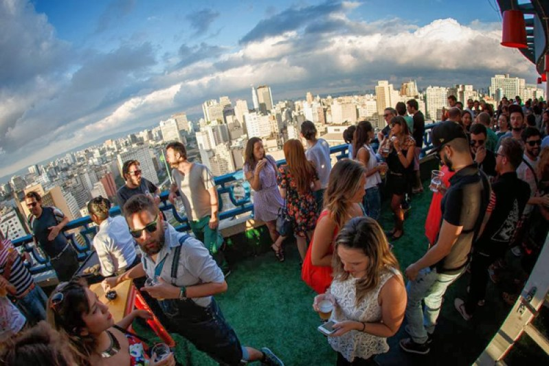 heineken-up-on-the-roof-parapeito