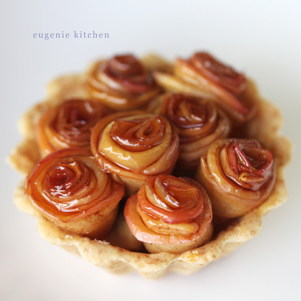 rose-apple-pies-tartlet