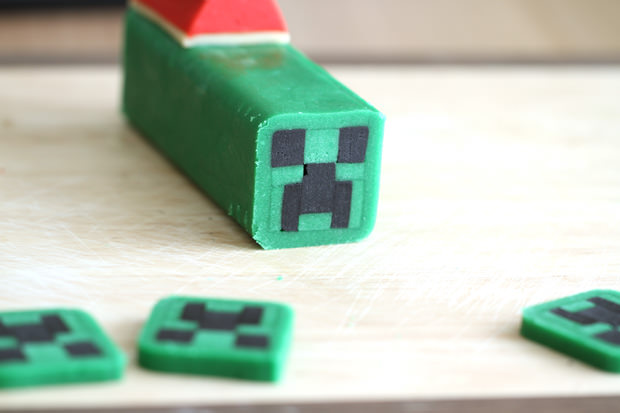 Minecraft creeper cookies christmas eugenie kitchen how to make christmas minecraft creeper cookies voltagebd Image collections