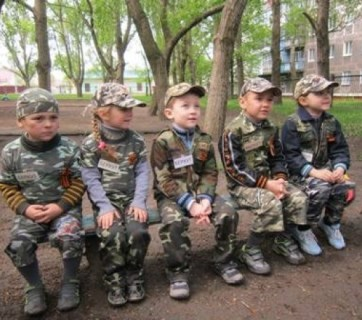 """Military exercises"" for daycare children in the city of Gorlivka in the Russia-occupied Donbas (Image: tsn.ua)"