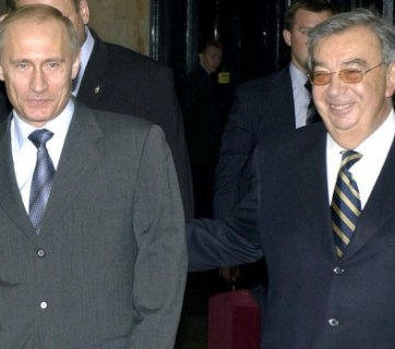 Yevgeny Primakov with Vladimir Putin in 2004. Photo: SERGEY ZHUKOV