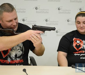 Andriy Yangolenko, seen here with his wife, was detaine by the Security Service of Ukraine on Friday in Kharkiv.