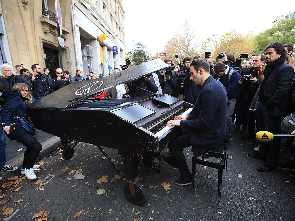 paris-attack-piano-10241.jpg?w=1024