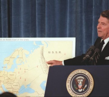 President Reagan giving a speech on Strategic Arms Reduction Talks (START) at the National Press Club in Washington, DC. Nov-18-1981 (Image: reaganlibrary.archives.gov)