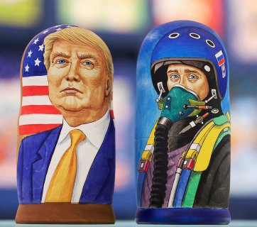 Trump and Putin matryoshka dolls for sale in Moscow, Russia (Image: vedomosti.ru)
