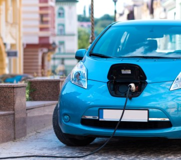 So far Ukraine has about 600 charging stations for electric vehicles. Photo: electrocars.ua
