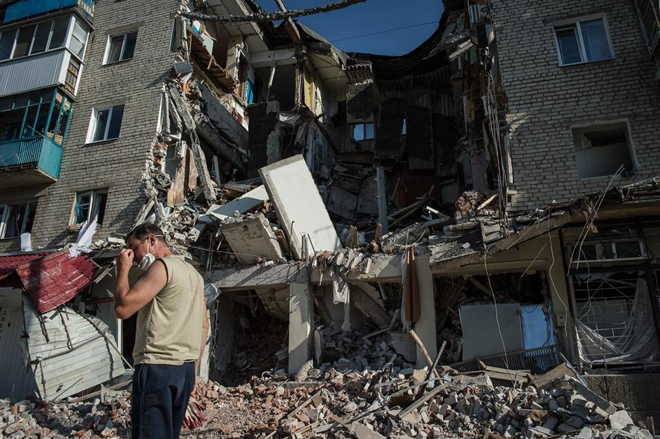 A building destroyed by shelling in Mykolayivka, 2014. Photo: Alexey Furman