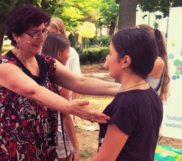 Georgian peacebuilding expert Julia Kharashvili in the summer camp for war-affected kids of Donbas (August 2016). Photo: digital archive of the camp (DA)