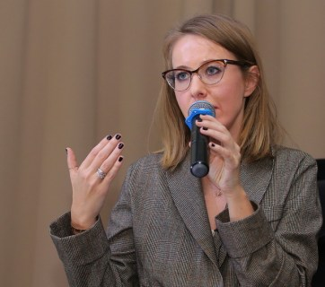 Kseniya Sobchak's first presidential campaign meeting outside of Moscow was attended by slightly more than one hundred people. October 27, 2017. Yekaterinburg, Russia (Image: Konstantin Melnitsky, 66.RU)