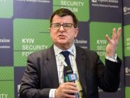 Taras Kuzio, Non-Resident Fellow, Center for Transatlantic Relations, Johns Hopkins University, speaking at the Kyiv Security Forum in 2018. Photo: twitter.com/FundOpenUkraine