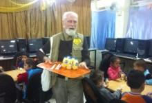 Photo of حملة الوفاء الأوروبية توزع الفواكه والحليب للأطفال في مركز الأيواء بمدرسة صفد في منطقة ركن الدين في دمشق