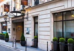 Renaissance Paris Vendome hotel near many famous french sites