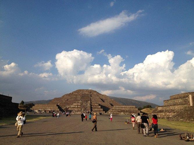 Teotihuacan-calle-de-los-muertos