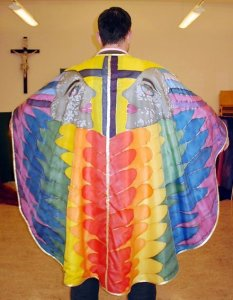 12_05_16_ugly_vestment