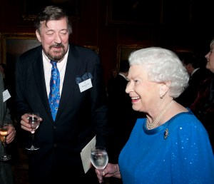 LONDON, UNITED KINGDOM - FEBRUARY 17:  Queen Elizabeth II meets Steven Fry during the Dramatic Arts reception at Buckingham Palace on February 17, 2014 in London, England. (Photo by David Crump - WPA Pool/Getty Images)