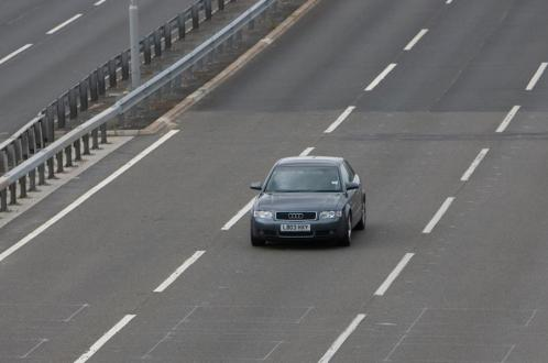 audi-in-middle-lane