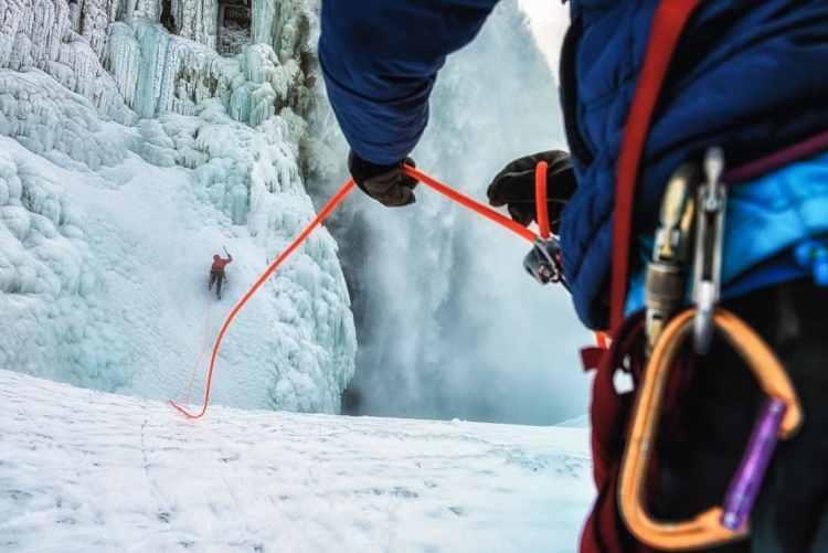 Will Gadd Ie climbing Niagra Falls first ascent