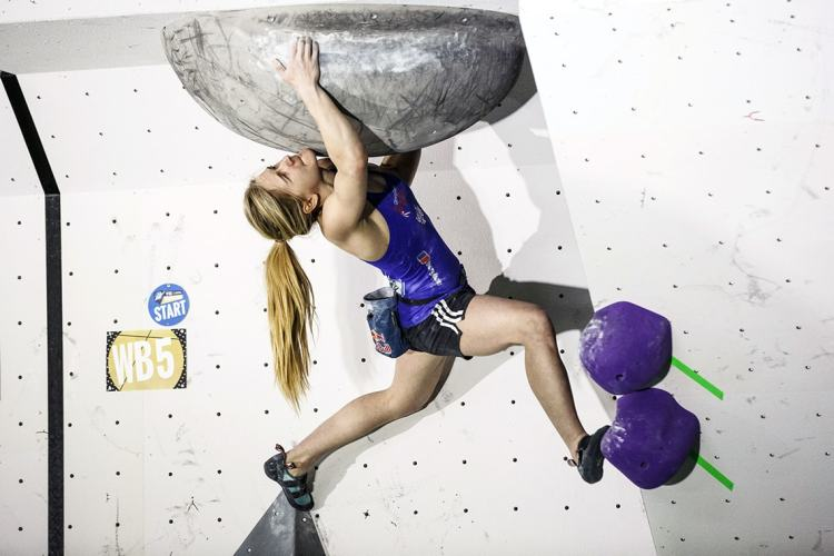 Shauna Coxsey climbs during the qualifying of the IFSC Climbing World Cup in Kazo, Japan on April 23, 2016 // Yuta Yoshida / Red Bull Content Pool