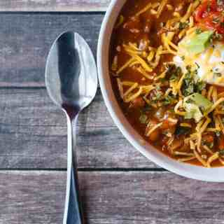 Looking for an easy way to make awesome chili this game day? Check out my easy game day chili recipe with Progresso Chili