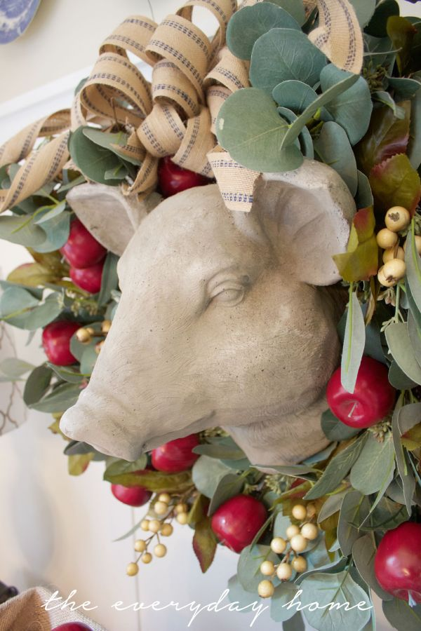 An Apple and Berry Wreath | The Everyday Home | www.everydayhomeblog.com