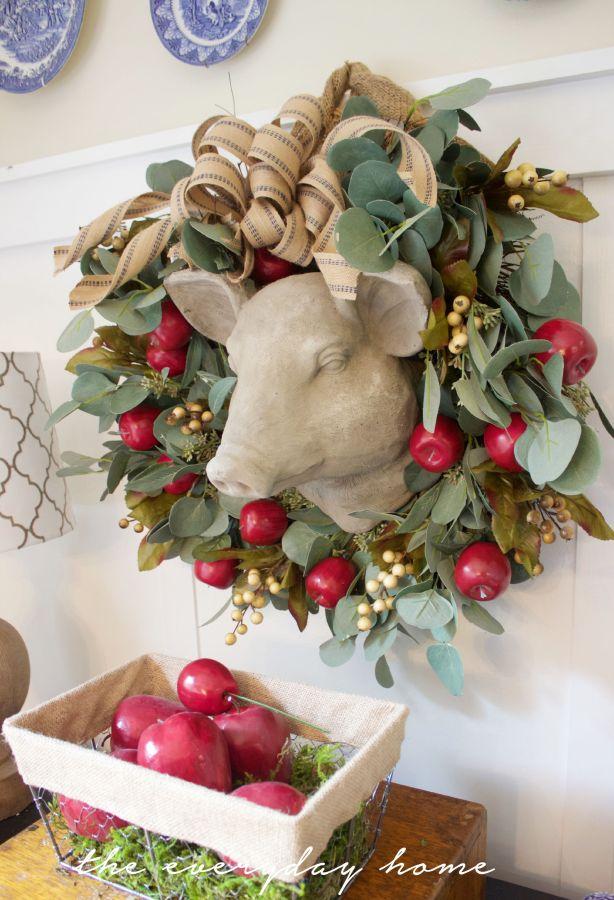 Apple Berry Wreath and Basket | The Everyday Home | www.everydayhomeblog.com