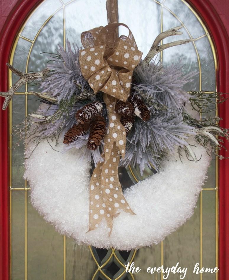 Easy DIY Winter Wreath | The Everyday Home | www.everydayhomeblog.com