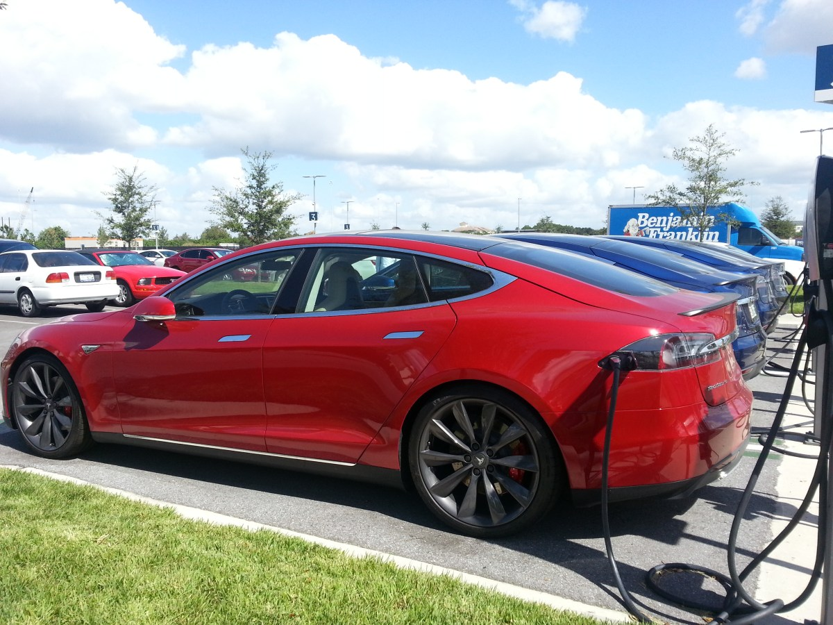 Tesla Model S 75 & 75D Coming Next Week