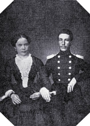 Podporucznik saperów Romuald Traugutt z żoną Anną z Pikielów, zdjęcie poślubne, lipiec 1852.