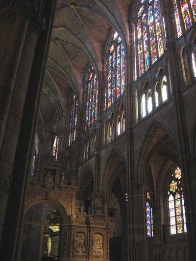 Wnętrze katedry w Lionie