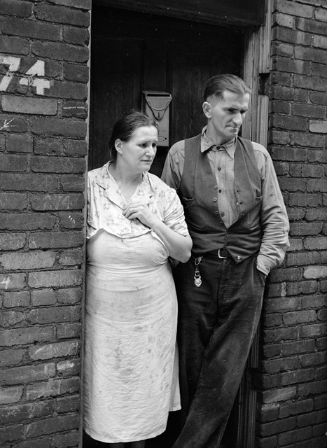 Unemployed steelworker and wife. Ambridge, Pennsylvania; photographed by John Vachon
