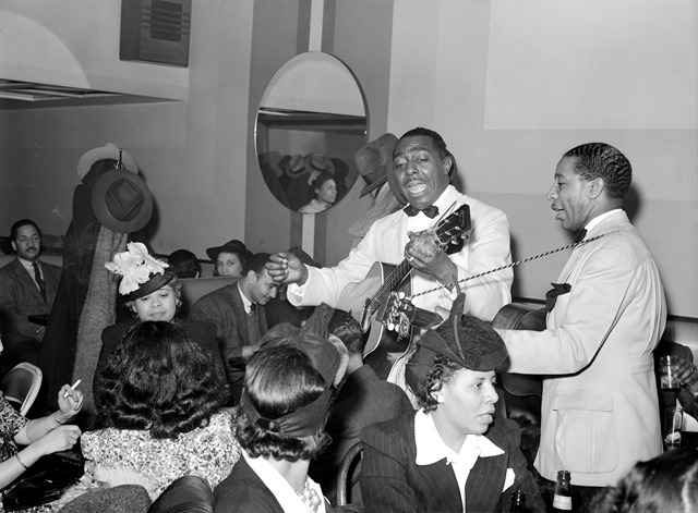Entertainers at Negro tavern. Chicago, Illinois