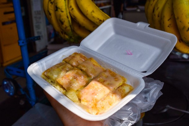 I even got my BANANA EGG PRATA FIX just 3 minutes away from the hotel. Ate this while walking down to the BTS station!