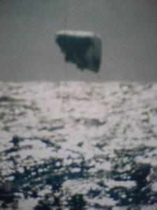 Imagen 8. Objeto desconocido fotografiado en el Ártico por el Submarino USS Trepang (SSN-674)