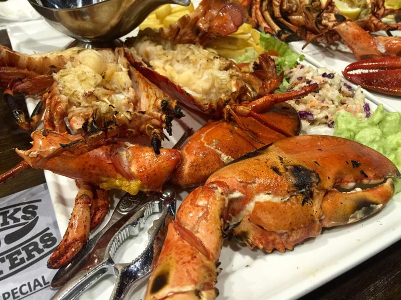 Signature Flaming American Lobster (RM 110.00 / RM 250.00)