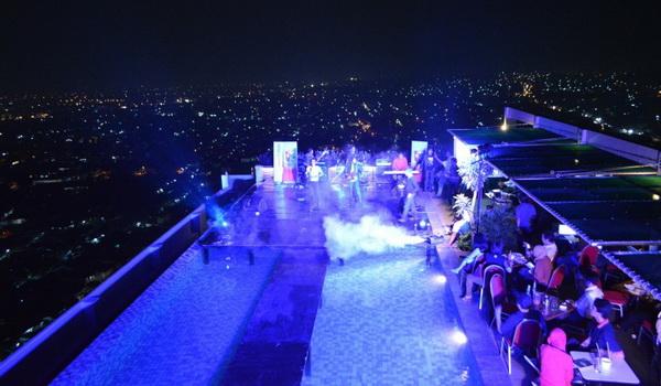 Event di sky pool semarang