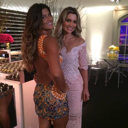 Giulia com a mãe, Flávia Alessandra, em sua festa de aniversário