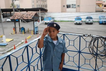 Raphael comemorou 8 anos em festa no 7º BPM (São Gonçalo), no Alcântara