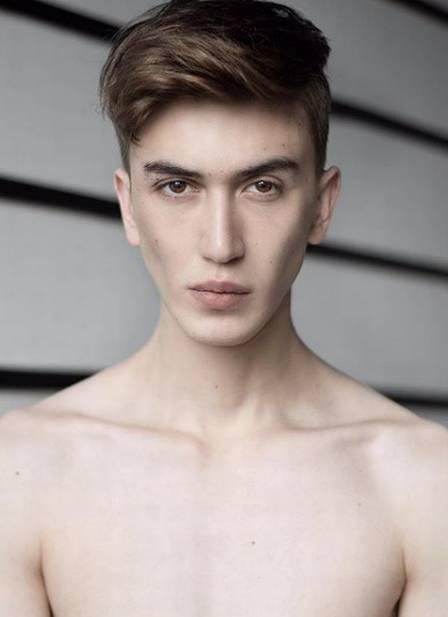 Ilay Dyagilev trabalha como modelo