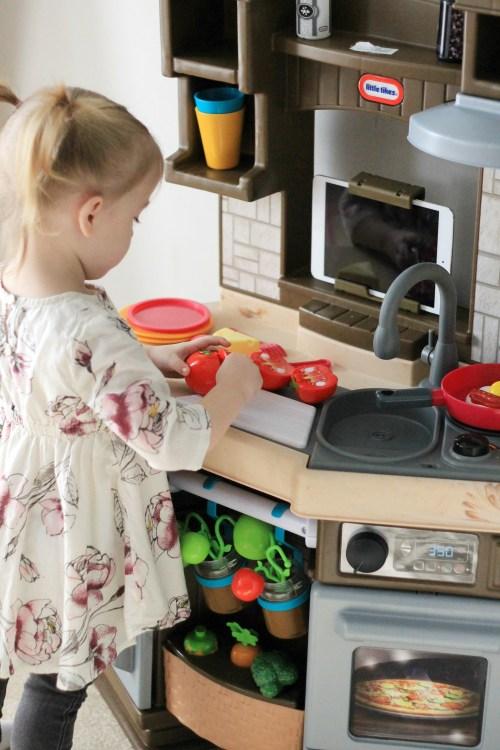 Little Tikes Cook 'N Learn Smart Kitchen