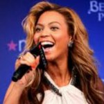 Beyonce Does 'FaceTime' On Stage – Video