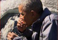 obama eating fish