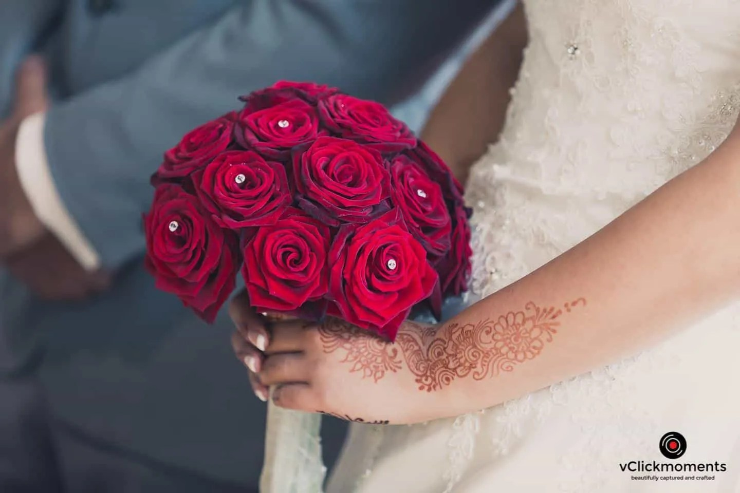 wedding-bouquet-red-roses
